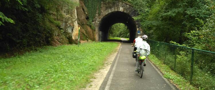 Tunnel der alten Bahntrasse