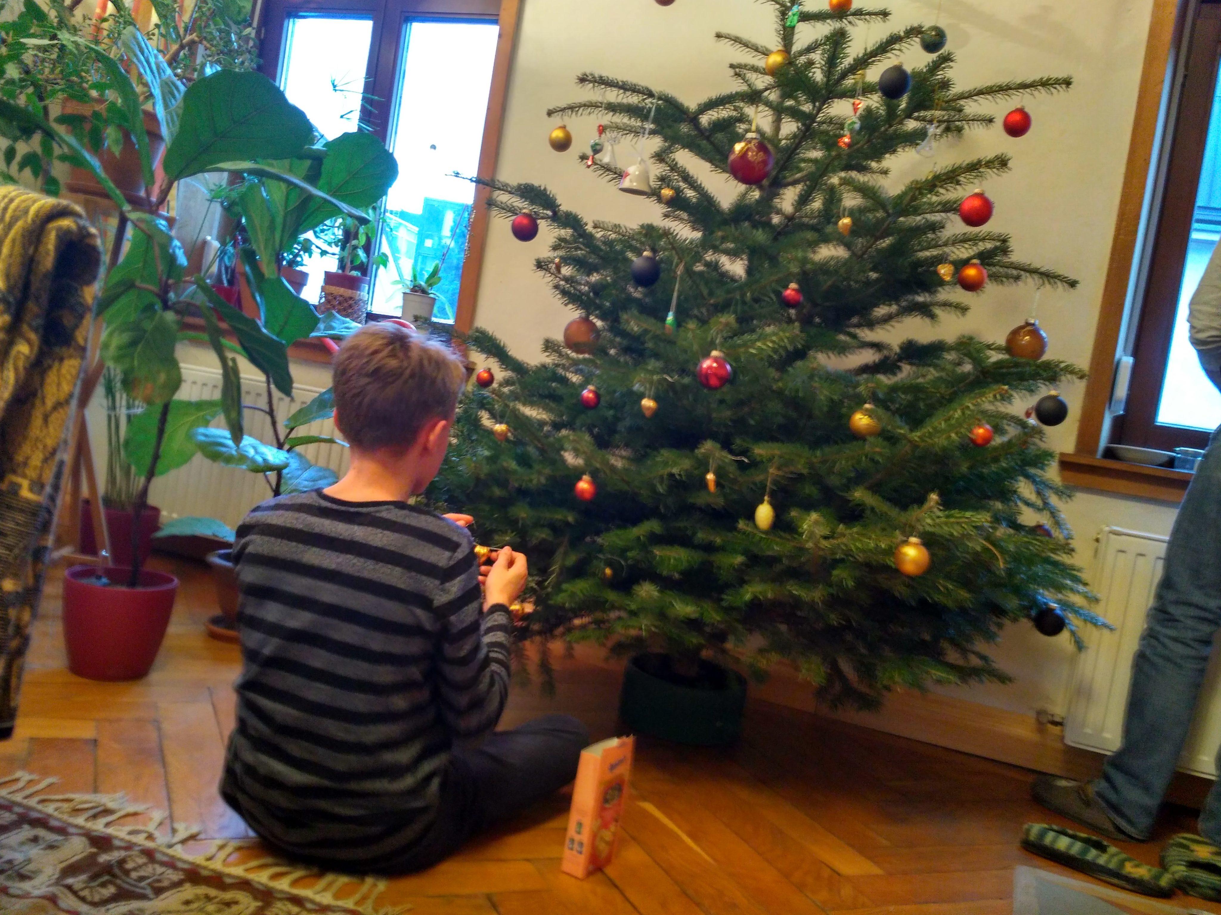 frohe weihnachten und geruhsame feiertage perfumum. Black Bedroom Furniture Sets. Home Design Ideas