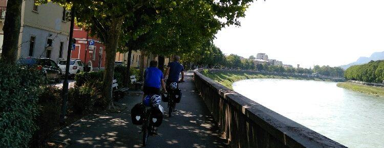Uferpromenade von Trento