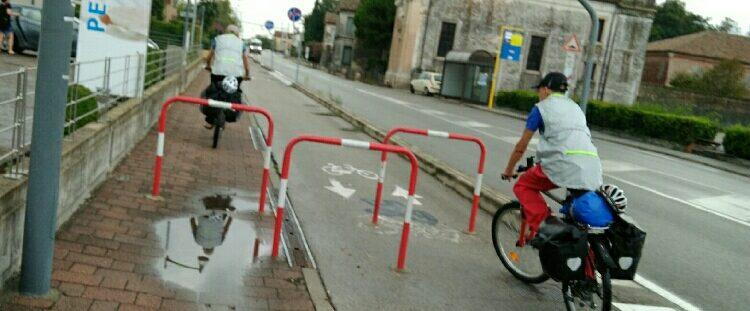 Hindernisparcours zwischen den Straßen