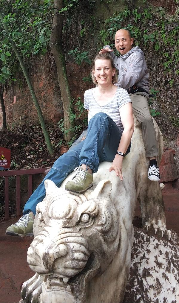 Doris auf weißem Tiger