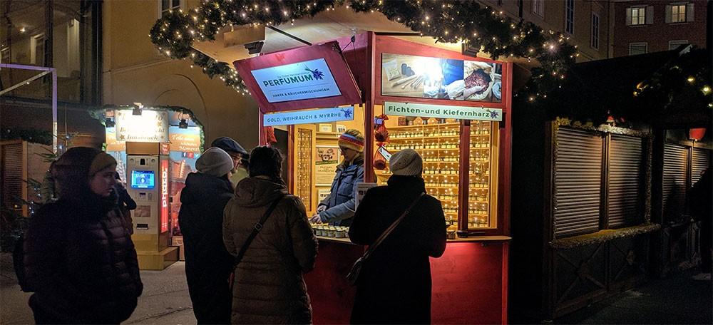 der christkindlmarkt in der nacht