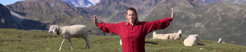 Doris beim Qigong in der Lizum