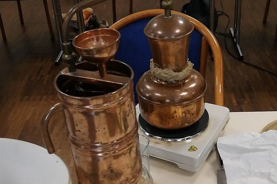 Destilieren mit der Kupferdestille